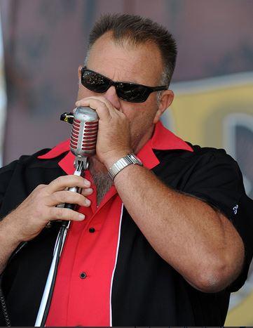 flattop tom with harmonica